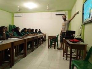 2 pau teaching kids